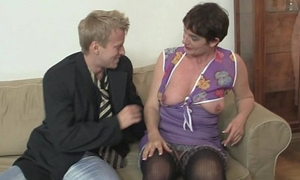 Ancient mommy widens will not hear of legs for hard cock