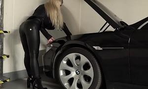 Roasting blonde GILF gets fucked in a car parking garage